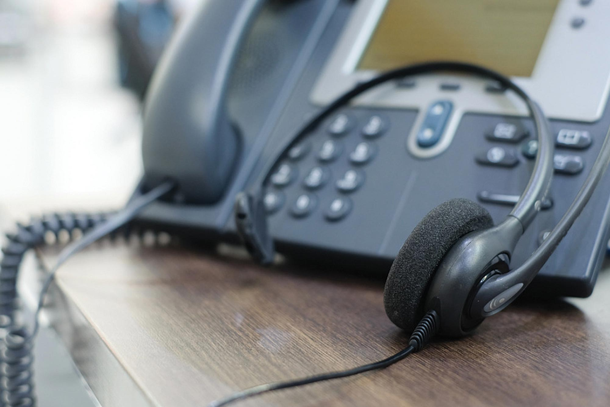 """How to use telephone interpreting to create """"omnilingual"""" service 