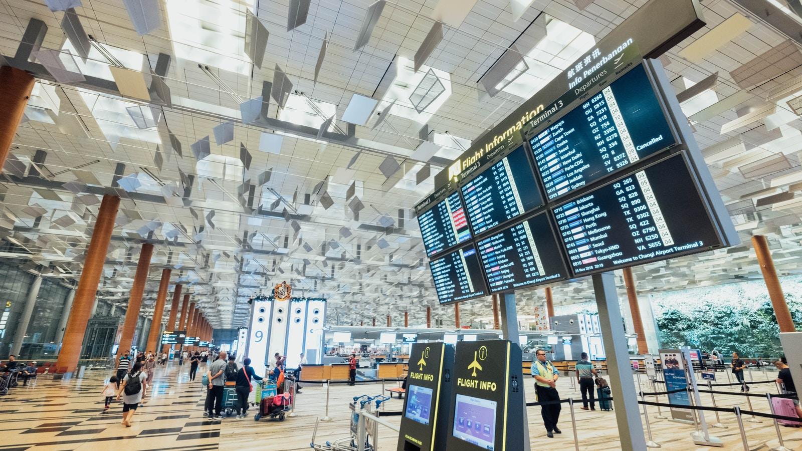 airport departure screen monitors